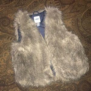 Girls old navy Faux fur  vest  sz 10/12